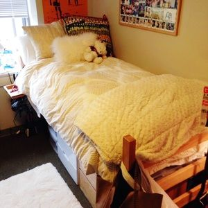 URBAN OUTFITTERS TWIN DUVET COVER